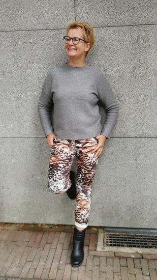 1 Maat broek suedine grijs print