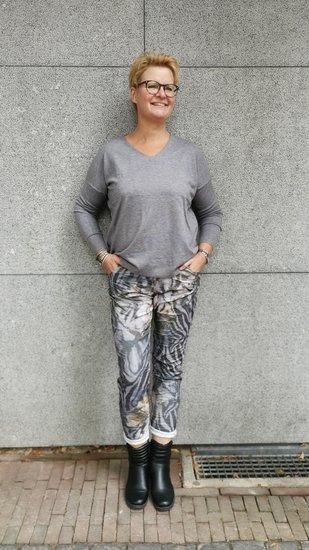 1 Maat broek grijs animal