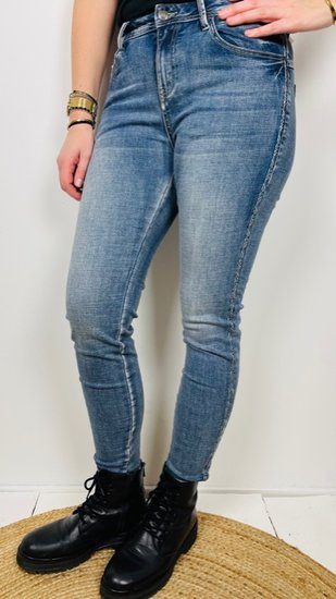 Il Dolce jeans met Ibiza bies